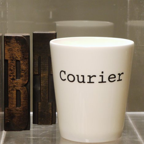 courier pen pot